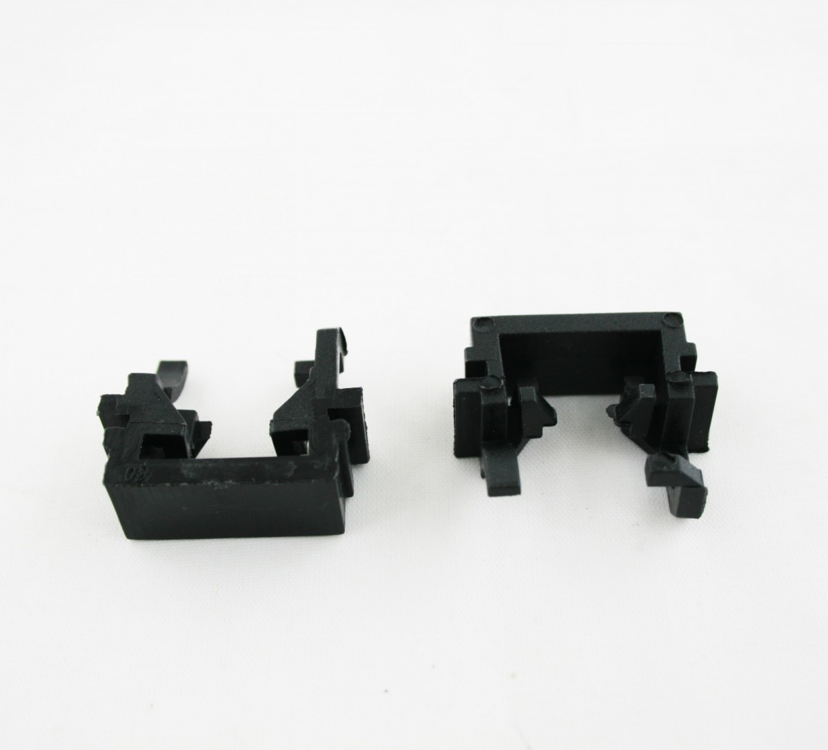 Адаптер для установки лампы Ford Focus 2 рест./Focus 3 (CP-AR-LED-97)