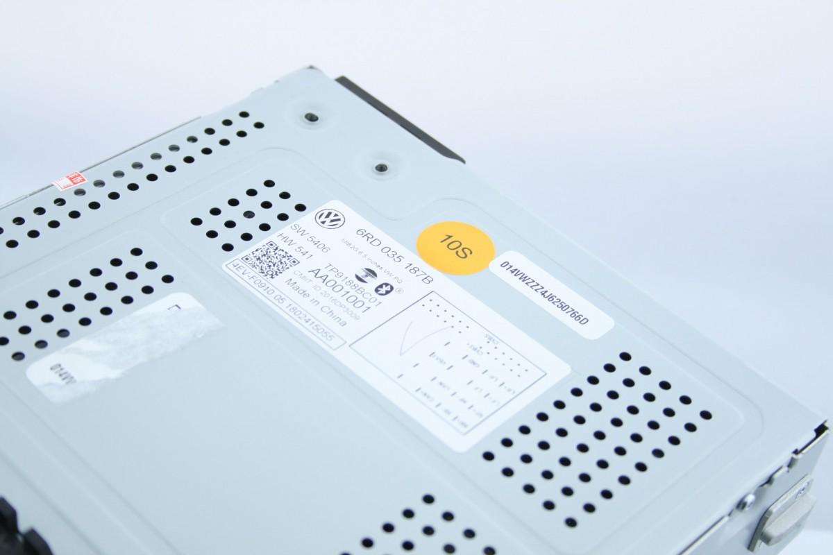 Штатная магнитола RCD 330 Plus AndroidAuto/CarPlay (R340G)