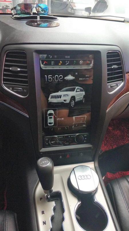 Магнитола в стиле Tesla для Jeep Grand Cherokee IV (2010-2013)