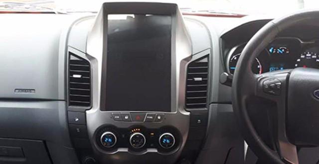Магнитола в стиле Tesla для Ford Ranger III (2011-2015)